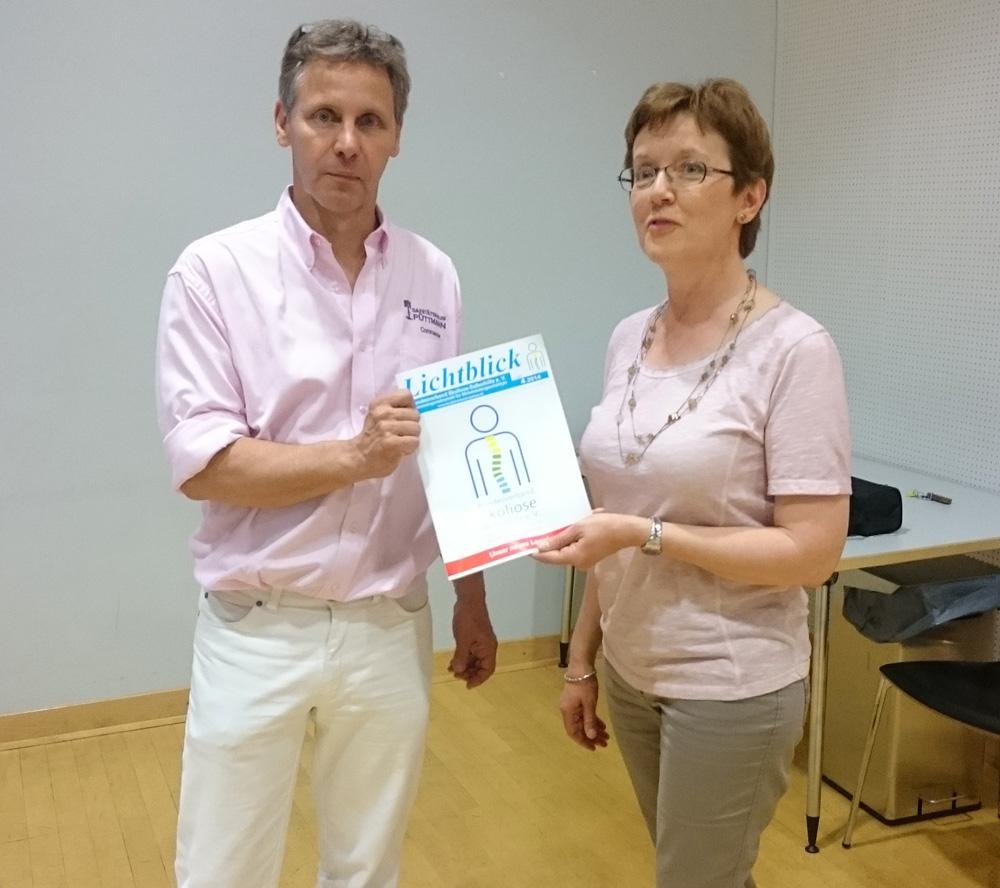 Burkard Püttmann mit Ursula Kölnberger vom Bundesverband Skoliose-Selbsthilfe e.V.